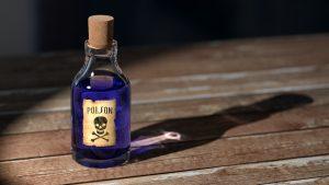 bottle-cork-dangerous-159296